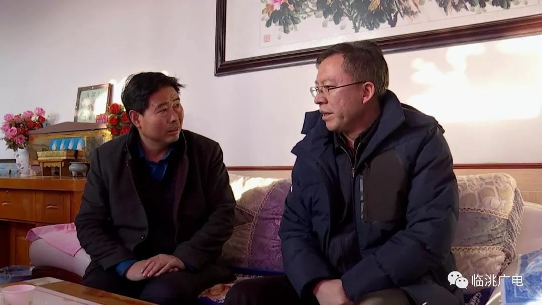 【春节慰问】石琳看望慰问太石镇贫困群众、党员、困难党员及优秀人才